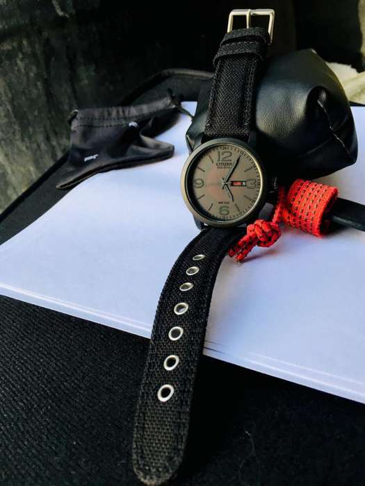Black Shadow Military Citizen Red Dot