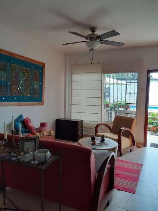 Hermosa Casa Familiar a 5 minutos de la Playa- También disponible para VENTA, por favor llamar para más info!