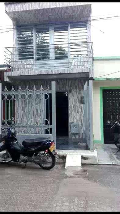 Vendo Casa de 2 Pisos en Campoalegre - H