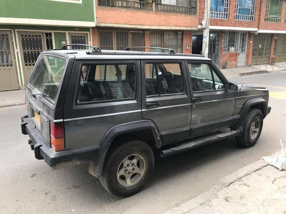 JEEP Cherokee 1996 - 100000 km