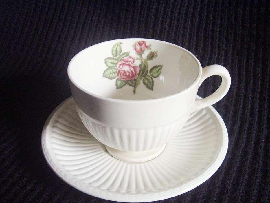 Vajilla antigua. Wedgwood Moss Rose Nº T432. Taza De Té Con Plato.
