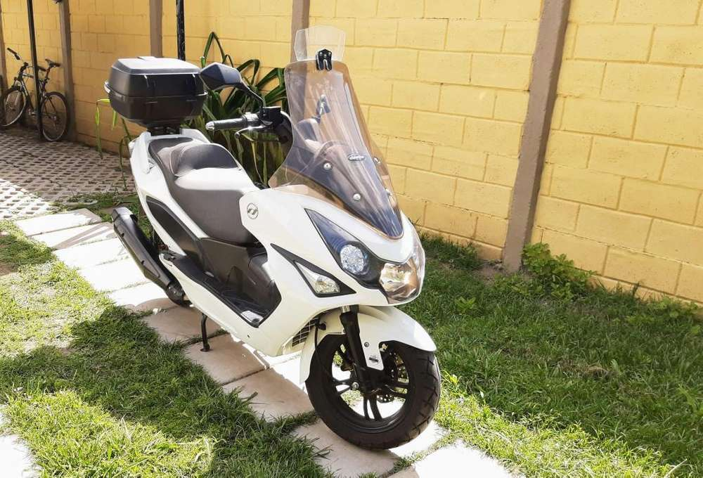 DAELIM <strong>scooter</strong> S3 ADVANCE 250 - TIT-IMPECABLE