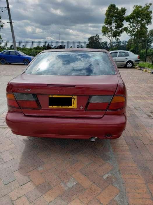 Nissan Almera  1998 - 280000 km