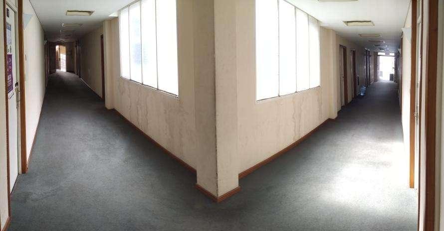 Alquilo piso completo de oficinas en el centro de la ciudad.