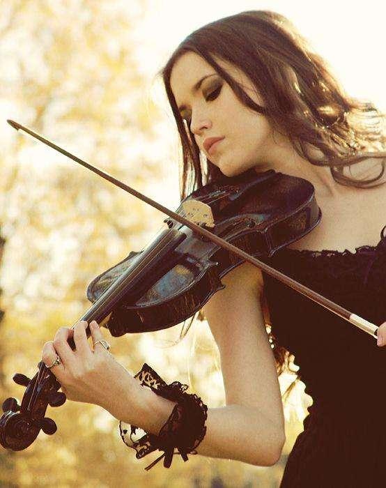 Precioso Violin color negro 4/4 en venta