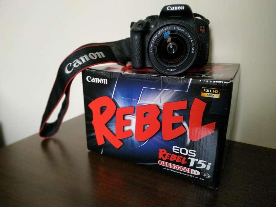 Canon Eos Rebel T5i (incluye Accesorios)