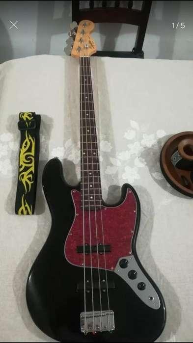 bajo Squier Jazz Bass Mic Bartolini
