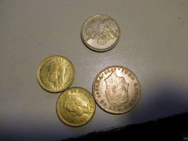 Antiguo lote pesetas desde 1966 al 82 .1 de franco