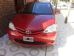 Toyota ethios 2014 unica mano!