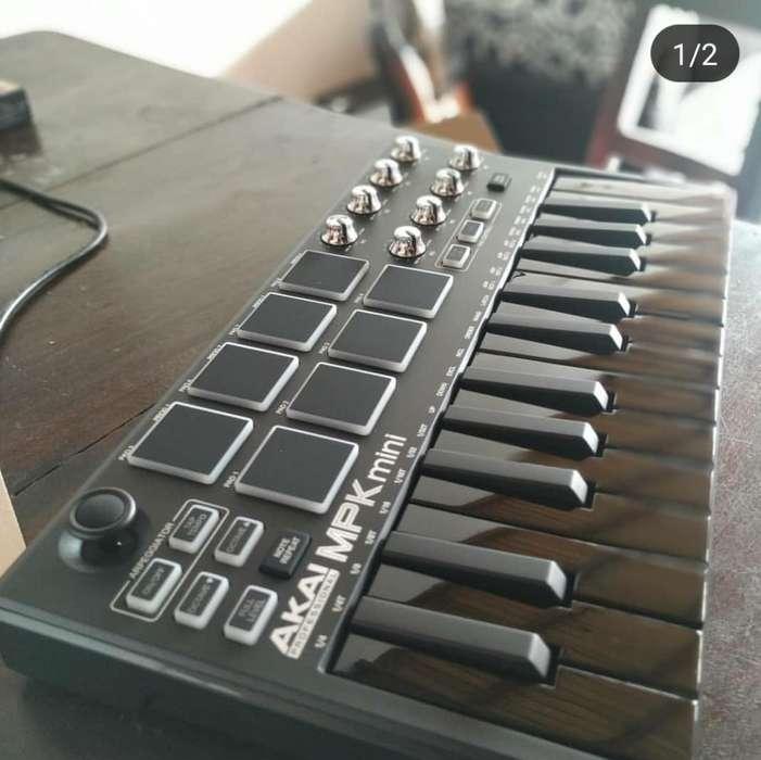 Controlador Midi Akai Special Edition