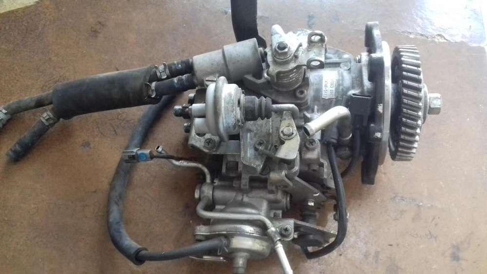 Bomba de <strong>inyeccion</strong> Chevrolet Nlr de 2da