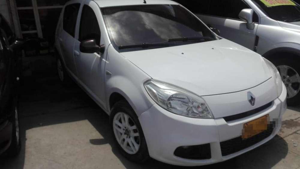 Renault Sandero 2013 - 1000 km
