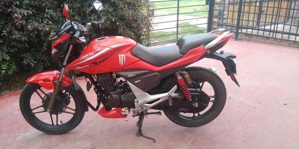 Vendo moto roja thriller SPORT