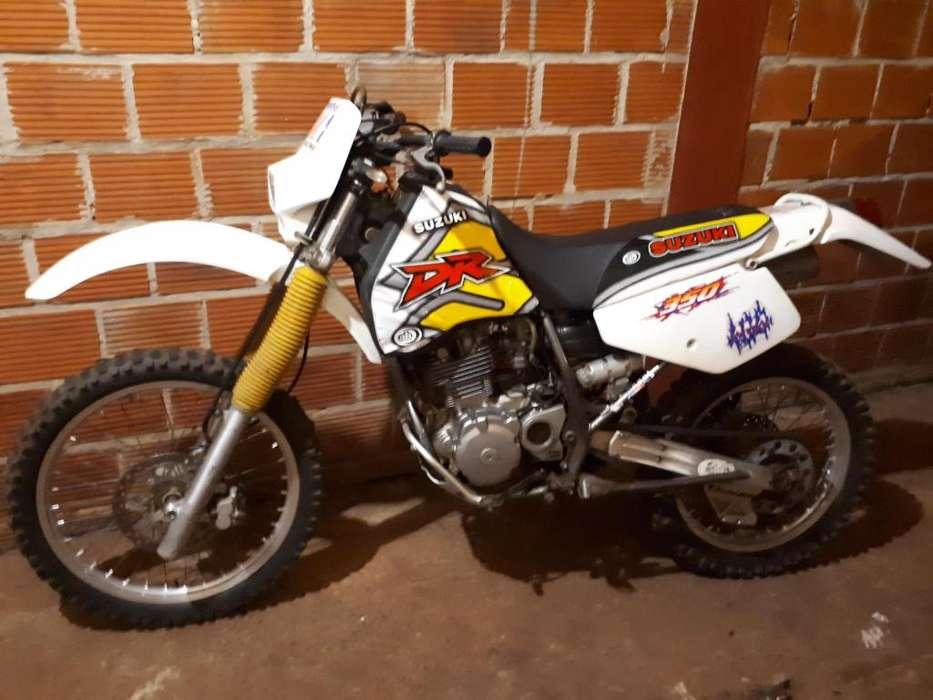 VENDO <strong>suzuki</strong> DR 350R
