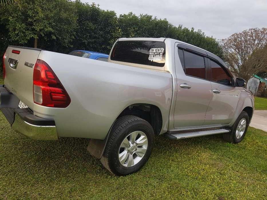 Toyota Hilux 2017 - 140000 km