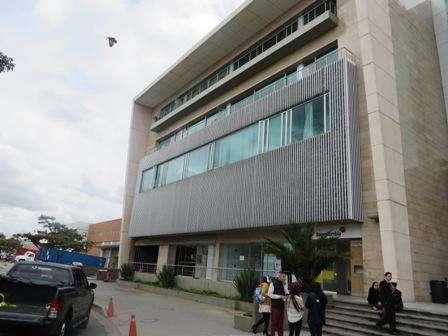 82195 - Amplia oficina ubicada en la zona franca de Fontibon