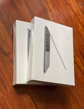 "MacBook Pro 2020 256gb Touch Bar 1,4 i5 8gb ram 13"""