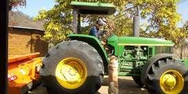 Tractor Jhon dere