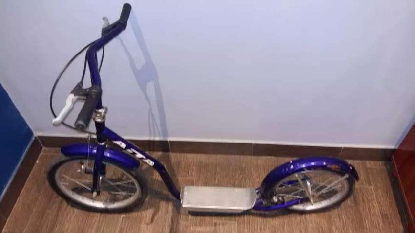 Monopatín tipo bici para niños 5 años en adelante 0