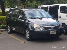 Vendo o permuto Kia Carnival diesel modeló 2012
