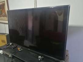 "Televisor LG 55"" PANTALLA AVERIADA"