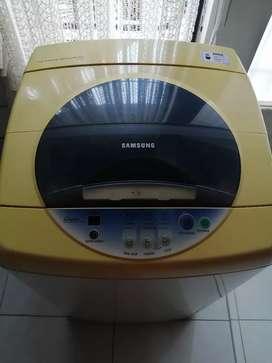 Se vende lavadora samsung 14L