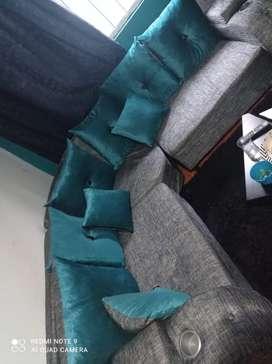 Muebles en L con mesa incluida y mesedora