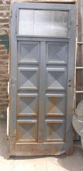 Puerta de chapa con marco 2.10 x .080
