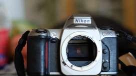 Camara Nikon N65