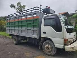 10000 negociable camión npr 5t 1996