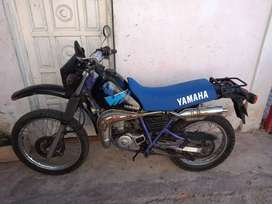 Yamaha DT 200 vendo o permuto. Veo todo