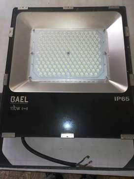 Se vende reflector 1500w