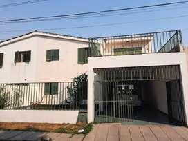 Gran oportunidad! Casa amplia en venta con gran potencial!