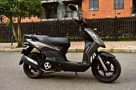 Vendo Moto AKT Dynamic R 125 modelo 2015