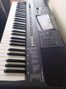 Vendo un hermoso teclado YAMAHA PSR-E 463