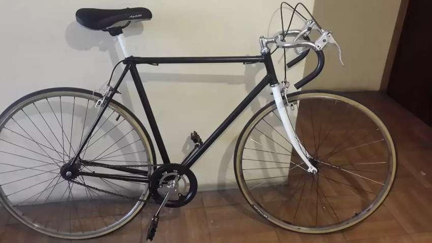 Bicicleta de ruta vintage 0