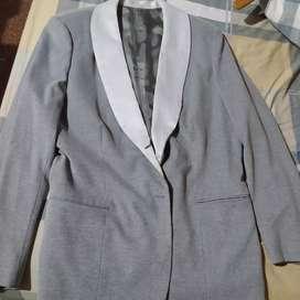 Conjunto de traje usado
