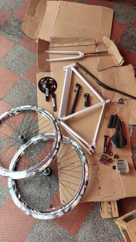 Bicicleta en aluminio fixie
