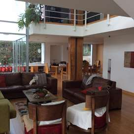 Venta de 2 casas y suite y 3300 m2 de terreno en Nayon.1