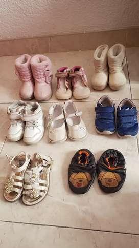 Zapatos de nena tallas 20 y 21. Usados