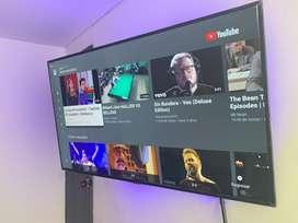 Vendo tv smart samsung de 50 puldsdas ultra hd 4k con teatro en casa