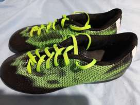 Botin Adidas Fútbol 5