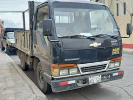 Camion chebrolet NHR 2002