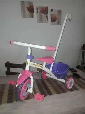 Triciclo pepa impecable