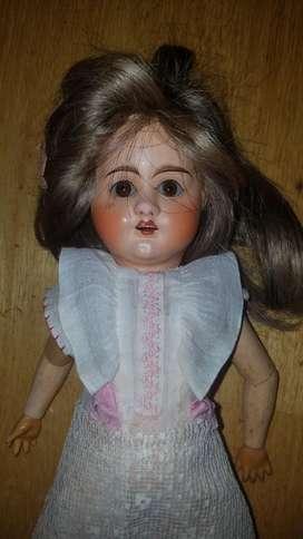 Muñeca Atigua de Porcelana