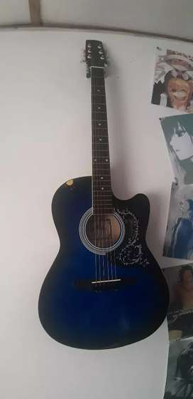 Vendo guitarra acustica cuerdas de metal perfecto estado