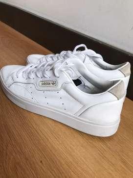Tenis Adidas Sleek