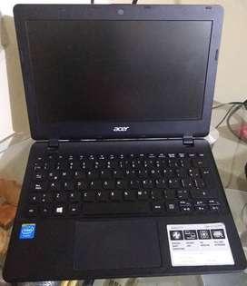 Portatil mini Acer Aspire E11 Usado