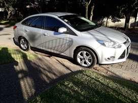 Vendo Ford Focus 2014 - 80.000 Km - Muy buen estado - Papeles e impuestos en regla