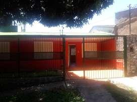 Alquilo casa con patio y jardin  en  zona residencial . Barrio Villa Cabello Posadas Misiones. Villa Cabello.